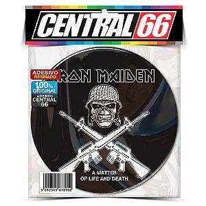 Adesivo Resinado Redondo Iron Maiden - Caveira Armas