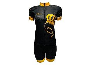 Conjunto Ciclismo Feminino Bermuda e Camisa Santa Dourada