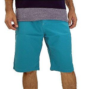 Bermuda Masculina de Sarja Azul Turquesa Bamborra Premium