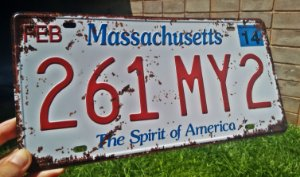 Placa Decorativa Massachusetts em Metal