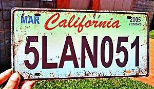 Placa Decorativa Califórnia em Metal