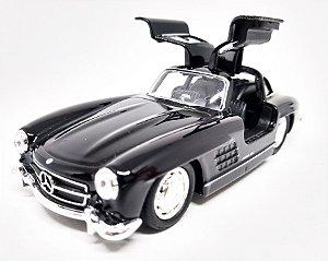 Mercedes Benz 300 SL Preta - Escala 1/38 - 12 CM