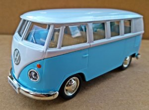 Volkswagen Kombi 1962 Azul - Escala 1/32 - 13 CM