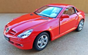 Mercedes Benz SLK - Escala 1/32 - 13 CM