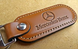 Chaveiro em Couro Marrom Mercedes Benz