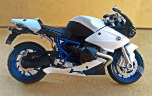 BMW MP-2 Sport - ESCALA 1/18 - 12 CM