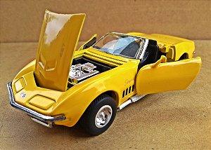 Chevrolet Corvette Stingray 1969  - Escala 1/32 - 13 CM