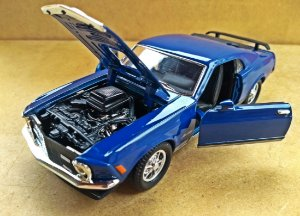 Ford Mustang Mach I - Escala 1/32 - 15 CM