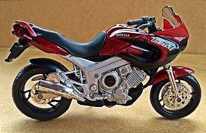 Yamaha TDM 850 - ESCALA 1/18 - 12 CM