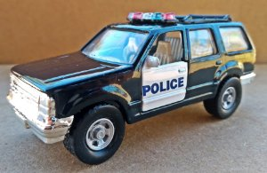 Ford Explorer Police - Escala 1/43 11 CM
