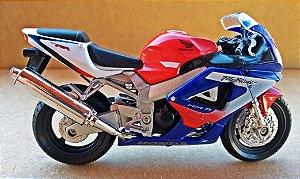 Honda Fireblade - ESCALA 1/18 - 12 CM