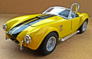 Shelby Cobra 427 1965  Amarelo - ESCALA 1/32 - 13 CM