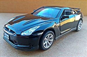 Nissan GT-R R35 Preto - ESCALA 1/36 - 13 CM