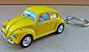 Volkswagen Fusca Amarelo - Chaveiro - Escala 1/64 - 06 CM