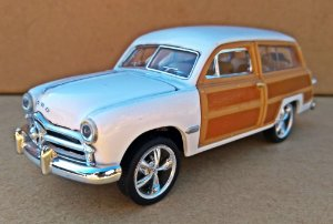 Ford Woody Wagon 1949 Branca Escala 1/38 14 CM