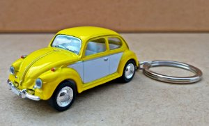 Volkswagen Fusca Amarelo/Branco - Chaveiro - Escala 1/64 - 06 CM