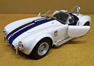 Shelby Cobra 427 1965 Branco - ESCALA 1/32 - 13 CM