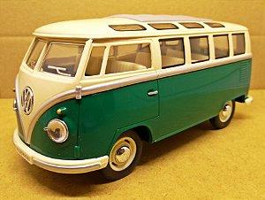Volkswagen Kombi Verde 1962 - Escala 1/24 - 17 CM
