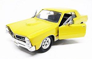 Pontiac GTO 1965 Dourado - Escala 1/38 12 CM