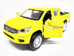 Toyota Hilux 4x4 Amarela - Escala 1/38 13 CM