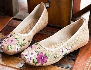 Sapatilha Bordado Floral Elegante