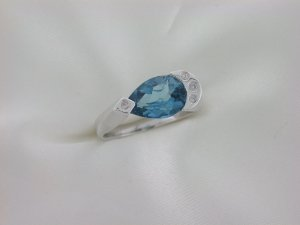 Anel de Ouro - Topázio Azul - Pedra Preciosa - Especial