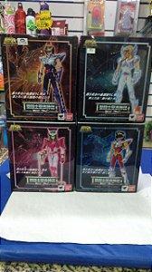Cavaleiros Zodiacos Ikki Fenix ( novo) Hyoga Seiya Shun ( usados)  V2 Ex Cloth Myth Bandai
