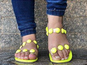Sandália Bolinha Amarelo Neon