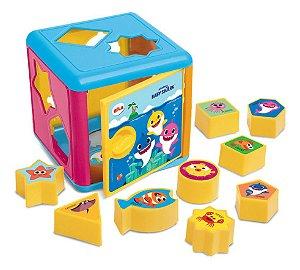 Brinquedo Educativo Cubo de Encaixes 10 Peças Baby Shark