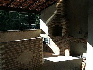 Churrasqueira  fogão  e forno em baixo fogão canto bege e Balcão 180x110 alt