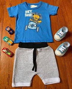 Conjunto Camiseta e Bermuda Leão Hi There