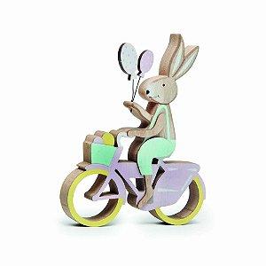 Enfeite de Madeira Coelho na Bicicleta