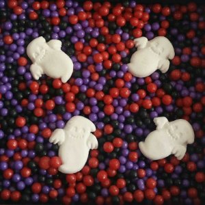 Sprinkles Fantasma e Bolinhas Pretas, Vermelhas e Roxa Halloween - 60g - 01 Unidade - Morello - Rizzo