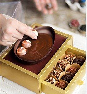 Caixa Meio Ovo de Colher 250g com Gaveta para 12 Bombons Ouro - Crômus Páscoa - Rizzo Embalagens