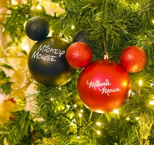 Kit Bolas Mickey e Minnie Mouse Preto e Vermelho  6cm - 06 unidades Natal Disney - Cromus Natal - Rizzo Embalagens