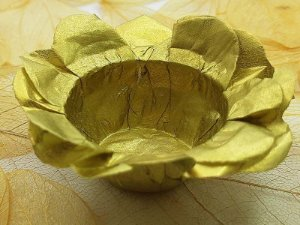 Forminha para Doces Floral em Seda Dourado - 40 unidades - Decorart