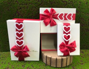 Kit Caixa Rígida Laço Corações Best Wishes - 03 Unidades - Rizzo Embalagens