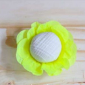 Forminha para Doces Finos - R82 Crepom Neon Amarelo - 40 unidades - MaxiFormas