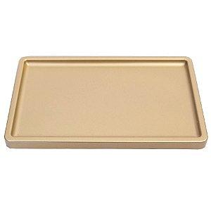Bandeja Retangular 30x18cm Premium Dourado - 01 unidade - Só Boleiras - Rizzo Embalagens