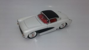 1957 CHEVY CORVETTE 1/24