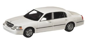 2012 LINCOLN TOWN CAR BRANCO 1/43