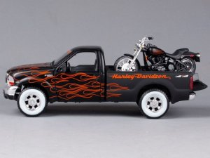 1999 FORD F-350 SUPER DUTY + MOTO HARLEY FLSTB NIGHT TRAIN 1/24