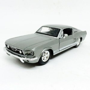 1967 FORD MUSTANG GT 1/24