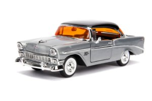 1:24 1956 CHEVY BEL AIR JADA 20 ANOS
