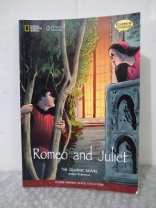 Romeo and Juliet: The Graphic Novel - William Shakespeare