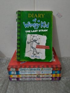 Coleção Diary of a Wimpy Kid - Jeff Kinney C/5 Volumes