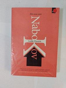 Em Casa com Nabokov - Leslie Daniels