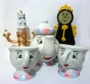 Jogo de Chá ou café A bela e a Fera ( 5 peças - Porcelana)