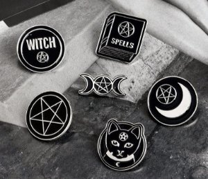 Pin Gothic