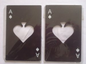 Z -   2 pcs Abridor de garrafas Mini Spade Poker Cartão de Aço Inoxidável - Pretos